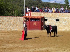 El Juli tentando en la plaza de La Cabañuela