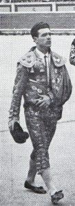 Romerito, haciendo el paseíllo en la plaza de Pamplona.