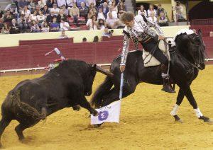 Hermoso de Mendoza paró a su primero en Lisboa con 'Alquimista'.