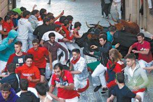 Un momento de un encierro vespertino durante las fiestas de la Virgen del Puy de hace tres años.