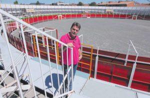 Juan Luis Ruiz, hace cinco años en la plaza de la localidad navarra de Noain.