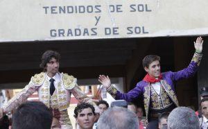 Díaz y Hermoso de Mendoza han salido a hombros. Fotografía: pablohermoso.net