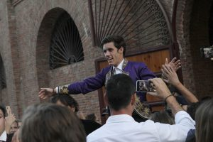 Guillermo Hermoso de Mendoza abrió la puerta grande de la plaza de Valladolid. Fotografía: pablohermoso.net