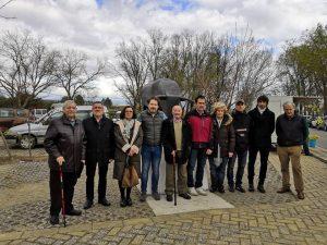 Corporativos, taurinos, familiares y amigos en el homenaje al directivo de la Asociación Taurina Mendaviesa Antonio Romero. Fotografía: Suberviola.