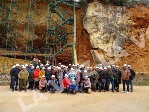 La Asociación Tauirna de Cortes en el centro arqueológico de Atapuerca.