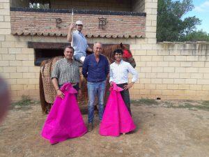 De izda. a dcha., Juan Carlos Ruiz, el picador Ramitos, Carlos Lumbreras y Francisco Expósito.
