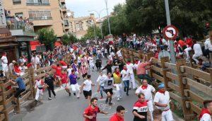 En el tercer encierro tudelano se ha incrementado el número de corredores. Fotografía, Blanca Aldanondo.