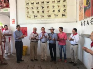 Un momento de la entrega del trofeo Carriquiri. Fotografía: Javier Arroyo.
