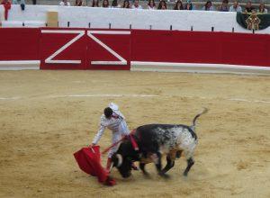 Derechazo de Montero a 'Cigarrero' , al que le cortó las dos orejas.