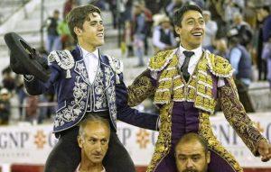 Guillermo Hermoso de Mendoza compartió puerta grande en León con Sergio Flores.