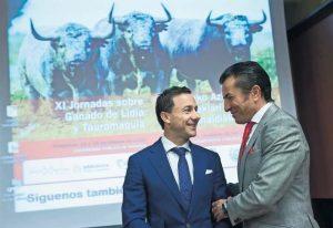 Rafael Rubio 'Rafaelillo' (izquierda) y José Pedro Prados 'El Fundi' (derecha) reflexionaron sobre la heroicidad del torero. Fotografía: Jesús Garzaron.