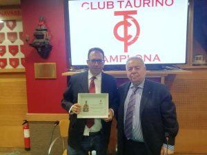 Domingo Delgado de la Cámara y José María Sevilla, que estrenó su cargo de presidente del Club Taurino de Pamplona.