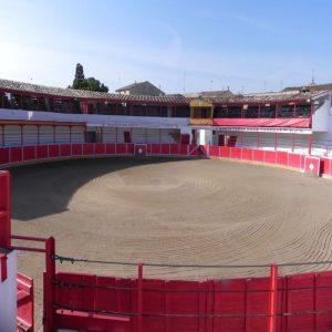 Panorámica de la centenaria plaza de toros de Fitero, donde tenía que haber comenzado la temporada taurina de Navarra, pero no pudo ser.