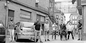Loren Fresno, Antonio Campo, Vicente Baigorri, Pablo Azcona, Iñaki Alegría y José Alberto Rivas ante la primera pancarta.