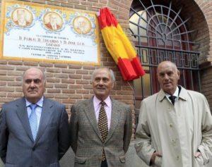 Pablo, Eduardo y José Luis Lozano el día que fueron homenajeados en Las Ventas.